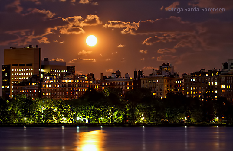 TP Fullmoon night NYC 10 8 14